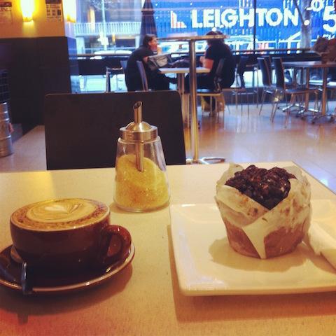 First coffee + Muffin XXL = first +1 KG