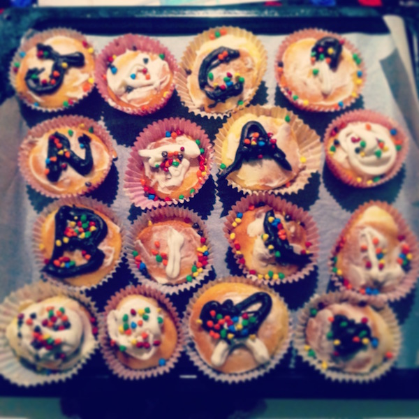 """The day I wanted to thank my first friend in Australia with my - terrible and first - """"Cupcakes""""."""