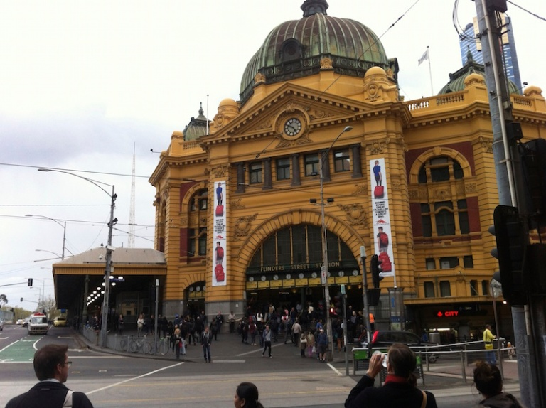 My first meeting with my Dutch friend in front of Flinders station.